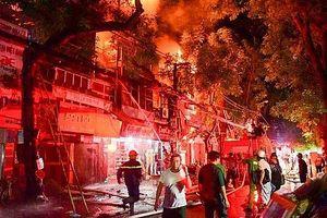 Chủ nhà trọ vụ cháy ở Đê La Thành bị khởi tố về tội Vi phạm quy định về PCCC