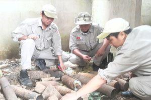 Phát hiện gần 1.000 đầu đạn và bom trong ngôi nhà hoang