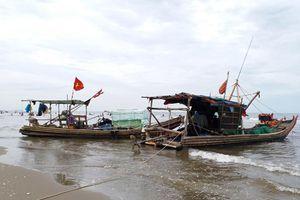 Vợ chết, chồng mất tích khi đánh cá trên biển
