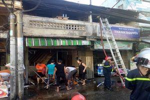 Cháy lớn thiêu rụi nhiều tài sản trong hai căn nhà ở TP.HCM