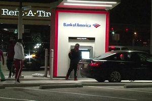 Cây ATM 'đặc biệt', rút 20USD được 100USD