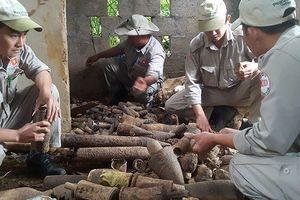 Phát hiện gần 1.000 đầu đạn và bom trong ngôi nhà hoang ở Quảng Trị