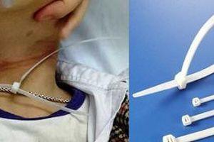 Trẻ suýt tử vong vì dây nhựa quấn cổ, bác sĩ cảnh báo an toàn