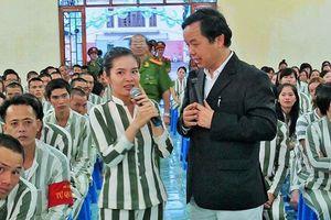 Nguyễn Văn Phước: 'Chiến binh' sách