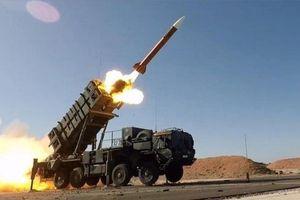 Ukraine muốn thiết quân luật, Nga đưa ngay 'rồng lửa' S-400 đến Crimea trực chiến