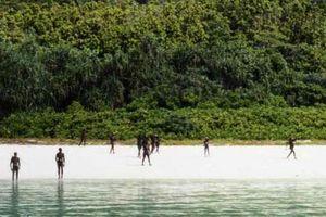 Ấn Độ tạm hoãn việc tìm kiếm thi thể công dân Mỹ trên đảo Bắc Sentinel