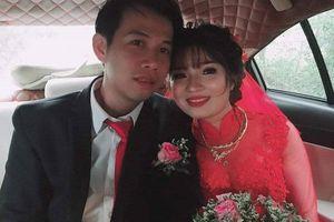Dở khóc dở cười với cảnh đám cưới mùa mưa bão: chỗ vừa ăn cỗ vừa lội nước, người 'vỡ đầu' vì rạp đổ