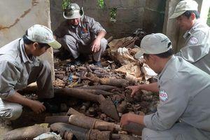 Hàng ngàn đầu đạn, pháo được phát hiện trong căn nhà hoang ở Quảng Trị