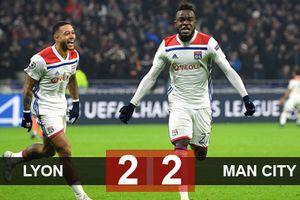 Thoát thua trên sân Lyon, Man City sớm giành vé vào vòng 1/8