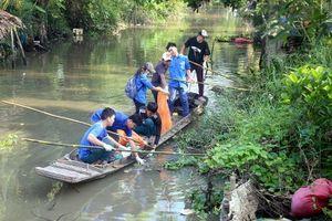 Sóc Trăng: Ra quân vớt rác, bảo vệ môi trường kênh, rạch