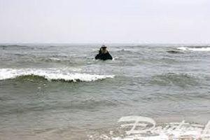 Hai vợ chồng gặp nạn ngoài biển Thanh Hóa, vẫn chưa tìm được thi thể người chồng