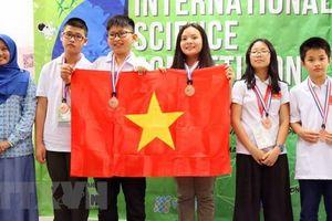 Đoàn học sinh Hà Nội giành 4 HCV tại Cuộc thi Khoa học quốc tế
