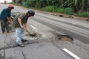 Tập trung vá sửa, đảm bảo giao thông QL1 Bình Định
