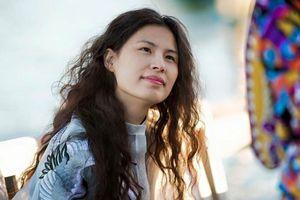 NTK áo dài 'Cô Ba Sài Gòn' mang tranh tham gia chiến dịch vì cộng đồng