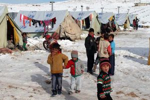 Gần 1 triệu trẻ em Trung Đông và Bắc Phi đối mặt mùa đông 'khốc liệt'
