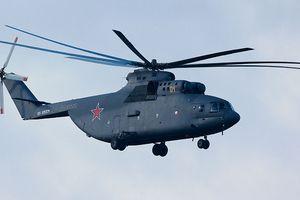 Ngoạn mục cảnh 'lực sỹ bay' Mi-26 chở Su-27 nặng 15 tấn