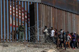 'Tăng nhiệt' vì người di cư