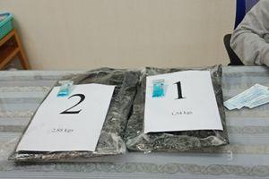 TP Hồ Chí Minh: Bắt giữ hơn 4kg cocaine ngụy trang trong thành va ly