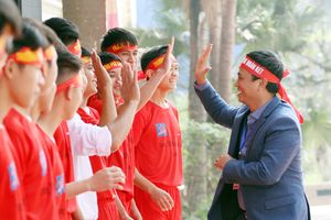 Lễ xuất quân rộn ràng, rực rỡ sắc màu của thầy trò trường Phùng Khắc Khoan