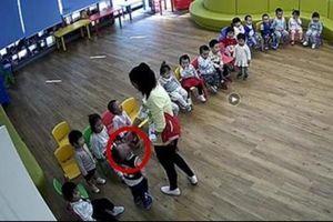 Hiệu trưởng và 7 giáo viên Trung Quốc đi tù vì ép trẻ ăn mù tạt