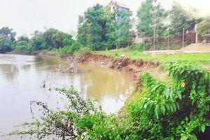 Sạt lở sông Cà Lồ, huyện Đông Anh: Bao giờ được khắc phục?