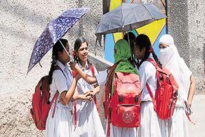 Ấn Độ giới hạn trọng lượng cặp sách của học sinh