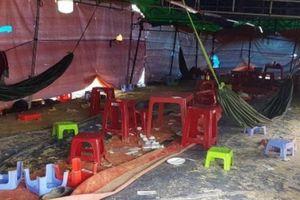 Sòng xóc đĩa lớn nhất Phú Yên: Cụ bà 84 tuổi tham gia đỏ đen