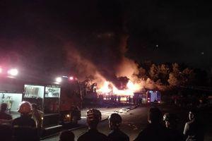 Đà Nẵng: Cháy kinh hoàng tại kho sơn 1.000 m2 thuộc KCN Hòa Cầm