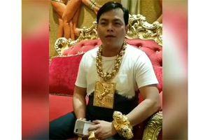 Đại gia Sài Gòn tiếp tục nâng cao đẳng cấp đeo trang sức vàng