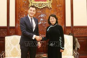 Phó Chủ tịch nước Đặng Thị Ngọc Thịnh tiếp Tổng Giám đốc Toàn cầu Tập đoàn Manulife Financial