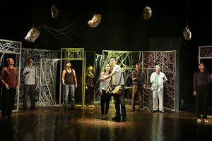 Từ vai Hamlet tới dựng kịch Lưu Quang Vũ