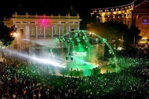 Tổ chức lễ hội đếm ngược Countdown tại Nhà hát lớn và Hồ Gươm