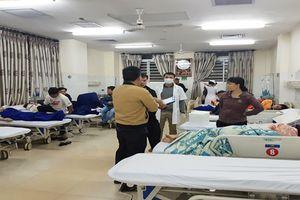 Vụ ngộ độc sau khi ăn bánh mì vỉa hè: Số người nhập viện đã lên đến hơn 100 người