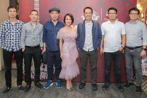 Uyên Linh quay trở lại cùng ban nhạc Anh Em