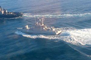 Nga chặn toàn bộ tàu thuyền Ukraine đi qua eo biển Kerch?
