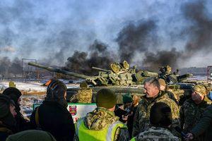 TT Poroshenko vô lý cáo buộc ông Putin, kêu gọi NATO hỗ trợ quân sự