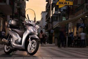 Có nên mua Honda SH 300i 2019 giá 300 triệu vừa về Việt Nam?