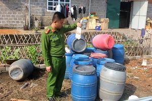 Phát hiện, bắt quả tang khoảng 20 tấn lòng lợn bẩn ở Quảng Ninh