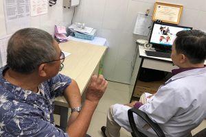 Khám bệnh ở trạm y tế được hội chẩn, tư vấn điều trị bệnh với bác sĩ tuyến cuối