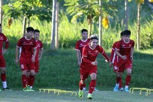 Chùm ảnh: Thầy trò Park Hang-seo hào hứng tập luyện chờ đấu Philippines