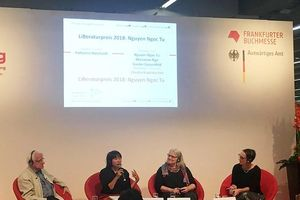 Tiếp sức để văn học Việt ra thế giới
