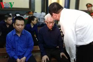 Ông Trần Phương Bình thừa nhận dùng tiền của DAB để mua cổ phần DAB