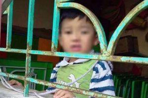 Nam Định: Xác minh hình ảnh bé trai 4 tuổi bị buộc dây vào cửa