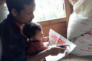Quảng Trị: Bé trai 3 tuổi đồng bào Vân Kiều nói chưa sõi đã đọc vanh vách chữ và số