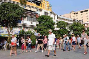 TPHCM: Nhiều tour du lịch giảm giá đến 50% để kích cầu