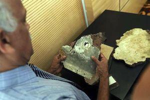 Chuyển các mảnh vỡ mới nghi của MH370 cho Chính phủ Malaysia