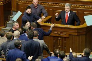 Khiêu khích trên biển: Tổng thống Ukraine Poroshenko muốn đạt được gì?