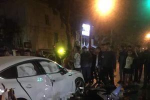 Xế hộp Audi Q5 gây tai nạn liên hoàn khiến 3 người thương vong lúc rạng sáng