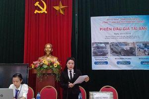 Đấu giá 3 ô tô thanh lý thuộc Bộ Ngoại giao, thu 457.266.000 đồng