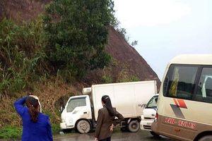Xe khách 29 chỗ đâm trực diện xe tải, nhiều người bị thương